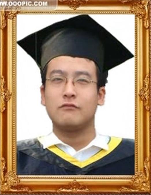 2008年获英国利兹大学(UK)学士学位